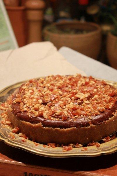 sos_mogyoros_karamellas_csokolade_torta (9)